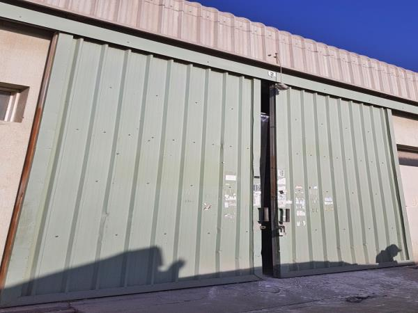 Commercial Warehouse For Rent Front View