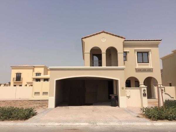 Villa In Arabian Ranches Front View